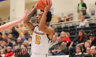 Team effort helps Owls win first conference game before falling to Hatters