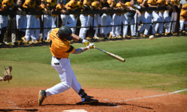 Baseball sweeps opening conference series against Lions, renews winning streak