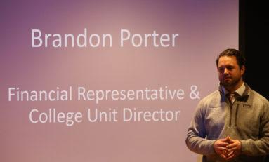 Business speaker series enlightens students on job hunting