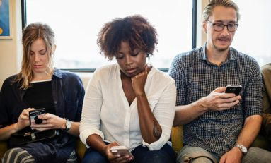 OPINION: Technology harms mental health, social lives