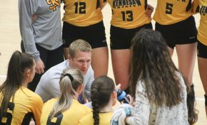 14-game winning streak ends for volleyball