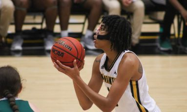 Poole and Hooker shine as basketball teams win exhibition games