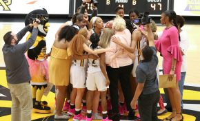Berenato victorious on Pink Day, last-second shot seals win for men