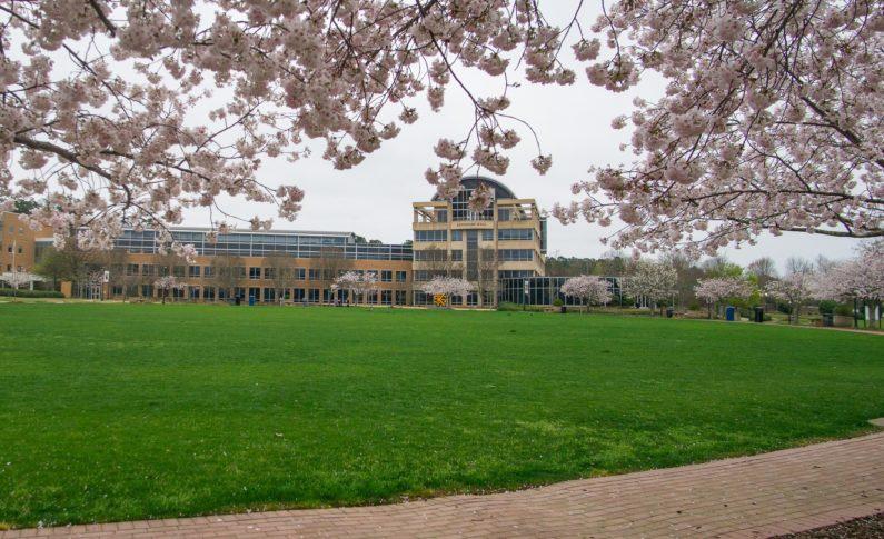 University invites spring graduates to summer commencement